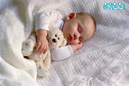 چرا نوزاد کم خواب است