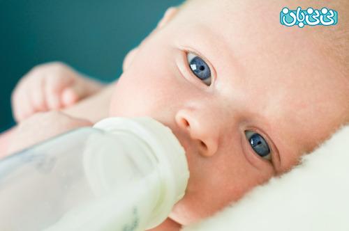 آیا تلفیقی از شیر مادر و شیر شیشه بهترین است؟
