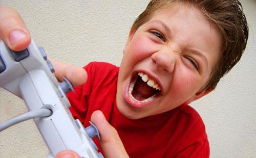 بازیهای رایانه ای برای کودکان، مضر است؟