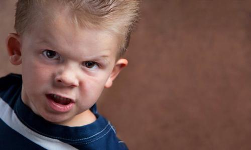 کنترل کودک عصبی، این رفتارها را نیاز دارد