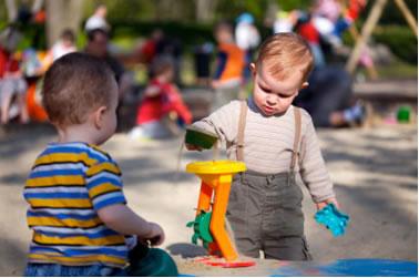معرفی بازی های کودکانه، ورزش را قاطی سرگرمی هایشان کنید