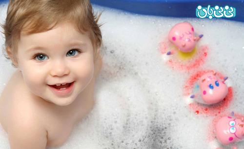 حمام اول نوزاد را به تاخير بيندازيد