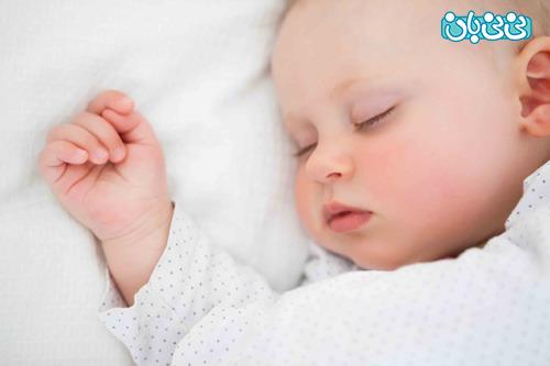 علل شگفت انگیز آه کشیدن نوزاد در خواب
