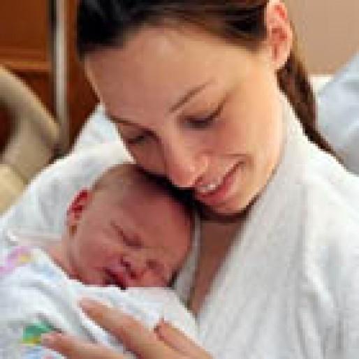 فاصله زمانی شیردهی نوزاد، چقدر باشد؟