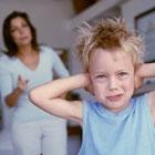 بدرفتاری کودک با والدین، حرف زشت میزنه!