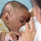 رشد جسمی کودک، تاثیر شیردهی مادران