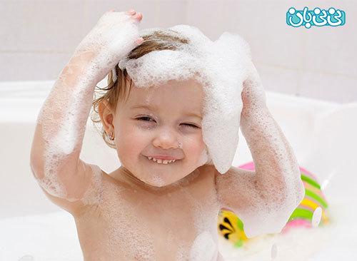 حمام کردن نوزاد؛ با چه شامپویی؟