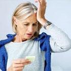 مشکلات زنان در یائسگی، قرص هورمونی بخوریم؟