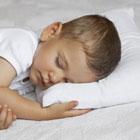 ترس از تنها خوابیدن بچه، پیش خودم بخوابه!