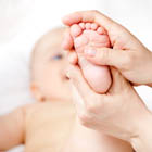 ماساژ دادن نوزاد، چه باحال!