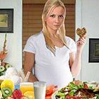 خوردنی های ممنوع در بارداری، چرا خطرناکه؟