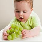 میوه خوردن بچه، خطر مرگ با انگور؟