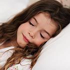 خواب کودکان، باید تنها بخوابه؟