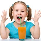 نوشیدنی برای کودکان، آبمیوه چاقش می کنه؟