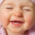 علت سیاه شدن دندان نوزاد، مشکل چیست؟