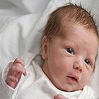 تعریق زیاد نوزادان، می تونه خطرناک باشه؟