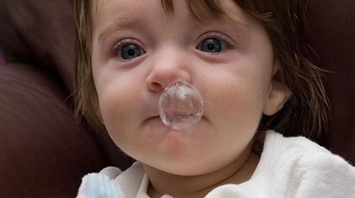 آبریزش بینی نوزاد، درمان دارد؟