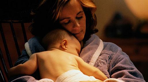 وابستگی شیرخوار به مادر، تنها نمی خوابد