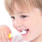 چگونه کودکان را به مسواک زدن تشویق کنیم؟