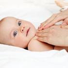 فواید ماساژ دادن نوزادان