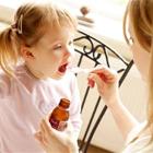 چگونه به کودک خود دارو بدهیم؟