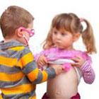 دکتر بازی کودکان، چگونه رفتار کنیم؟