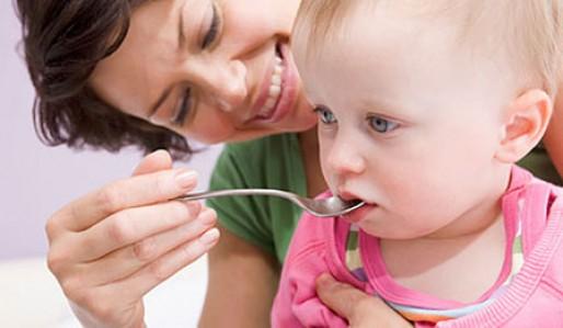 نحوه دادن قطره استامینوفن به نوزاد