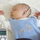 علت کم شنوایی در نوزادان