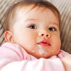 علت استفراغ نوزاد، علائم هشدار دهنده و درمان