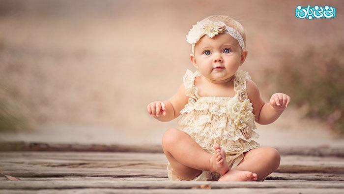 نوزاد از کی می نشیند؟