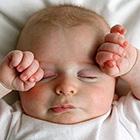 ساعت خواب نوزادان، چرا زود بیدار میشوند؟