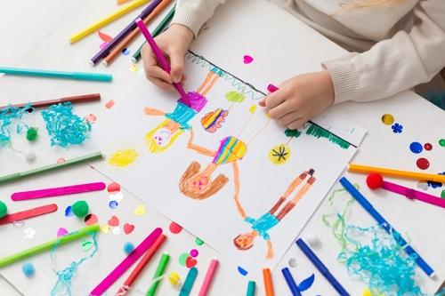 آموزش نقاشی کودکان بیش فعال چطور هنرمندش کنیم؟