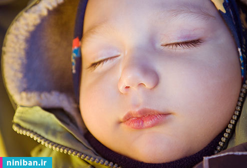خواب نوزاد هنگام حرکت