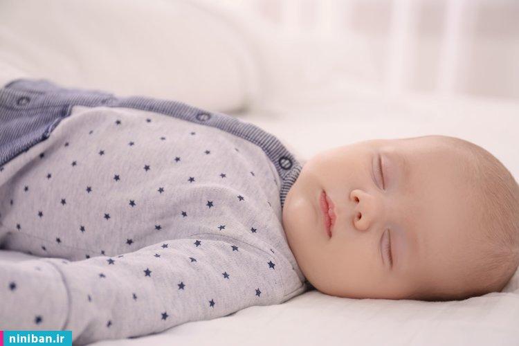 وقت خواب نوزاد