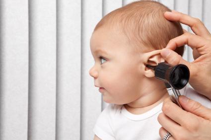کم شنوایی نوزاد